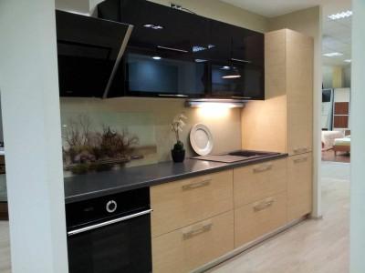 Кухня пластик Черный глянец / дуб