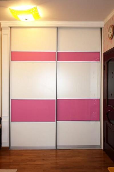 Двери-купе с цветной пленкой ORACAL